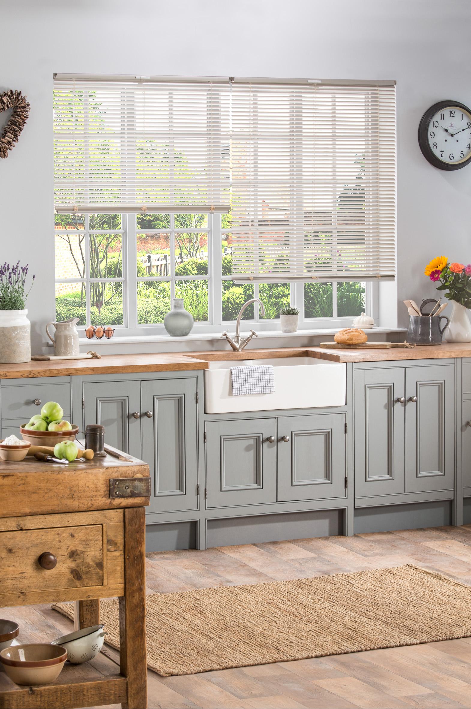 How To Choose Kitchen Window Treatments Style Studio