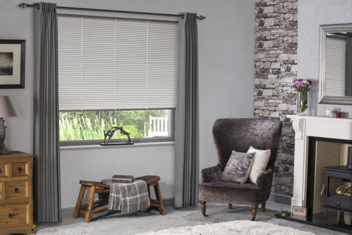 Style Studio Linen Venetian Blind in traditional lounge