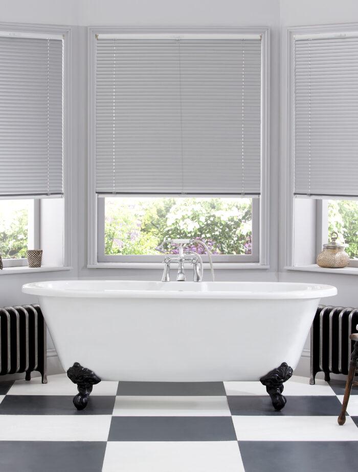Style Studio Platinum Venetian Blind in traditional bathroom